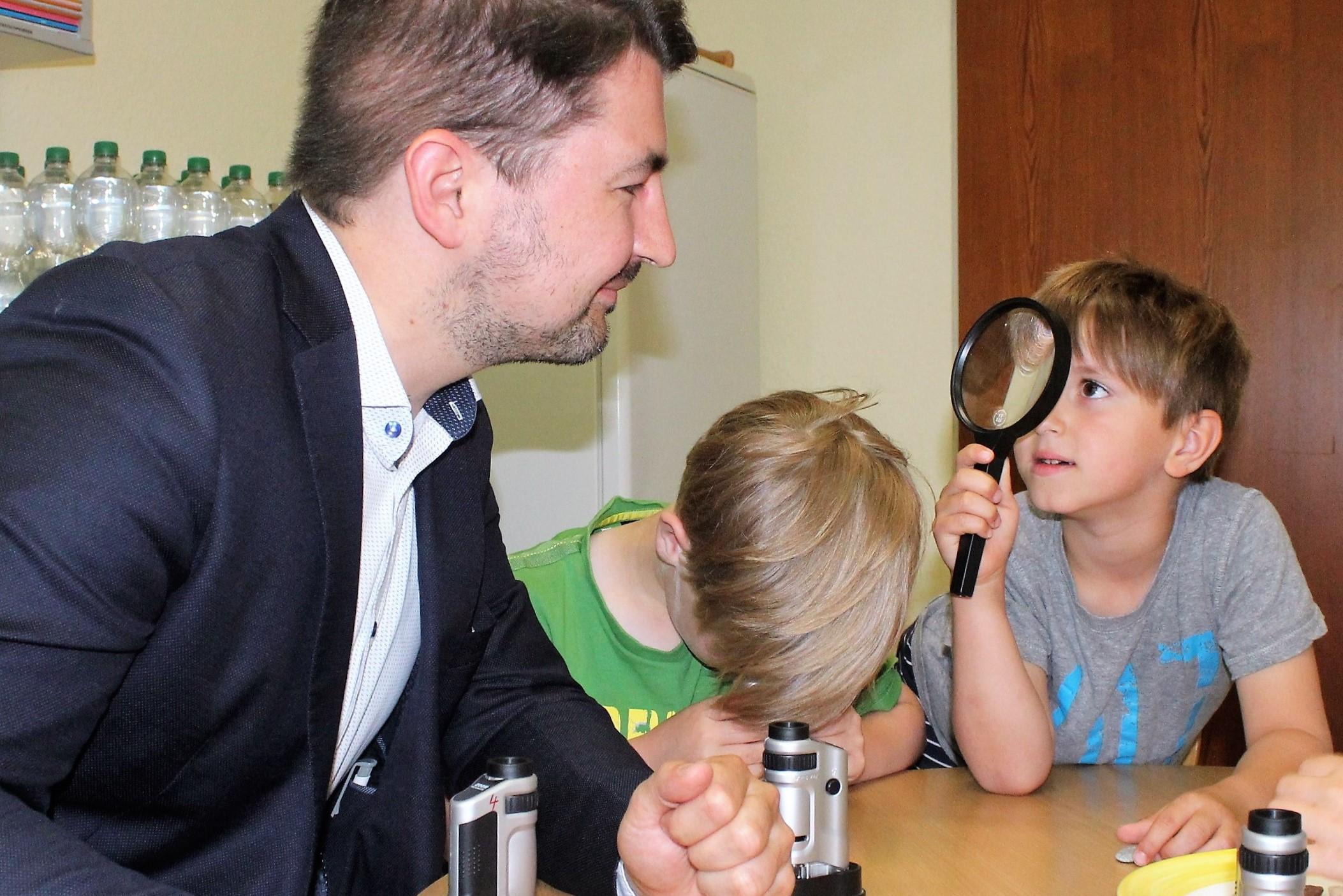 Tag der kleinen forscher 2018 u2013 christian sauter mdb besucht